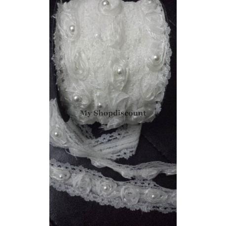 Galon dentelle fleur organza perlée blanc