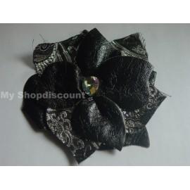 Broche fleur noire