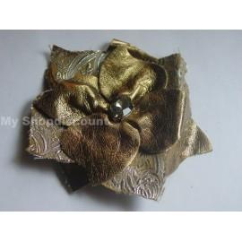 Broche fleur bronze